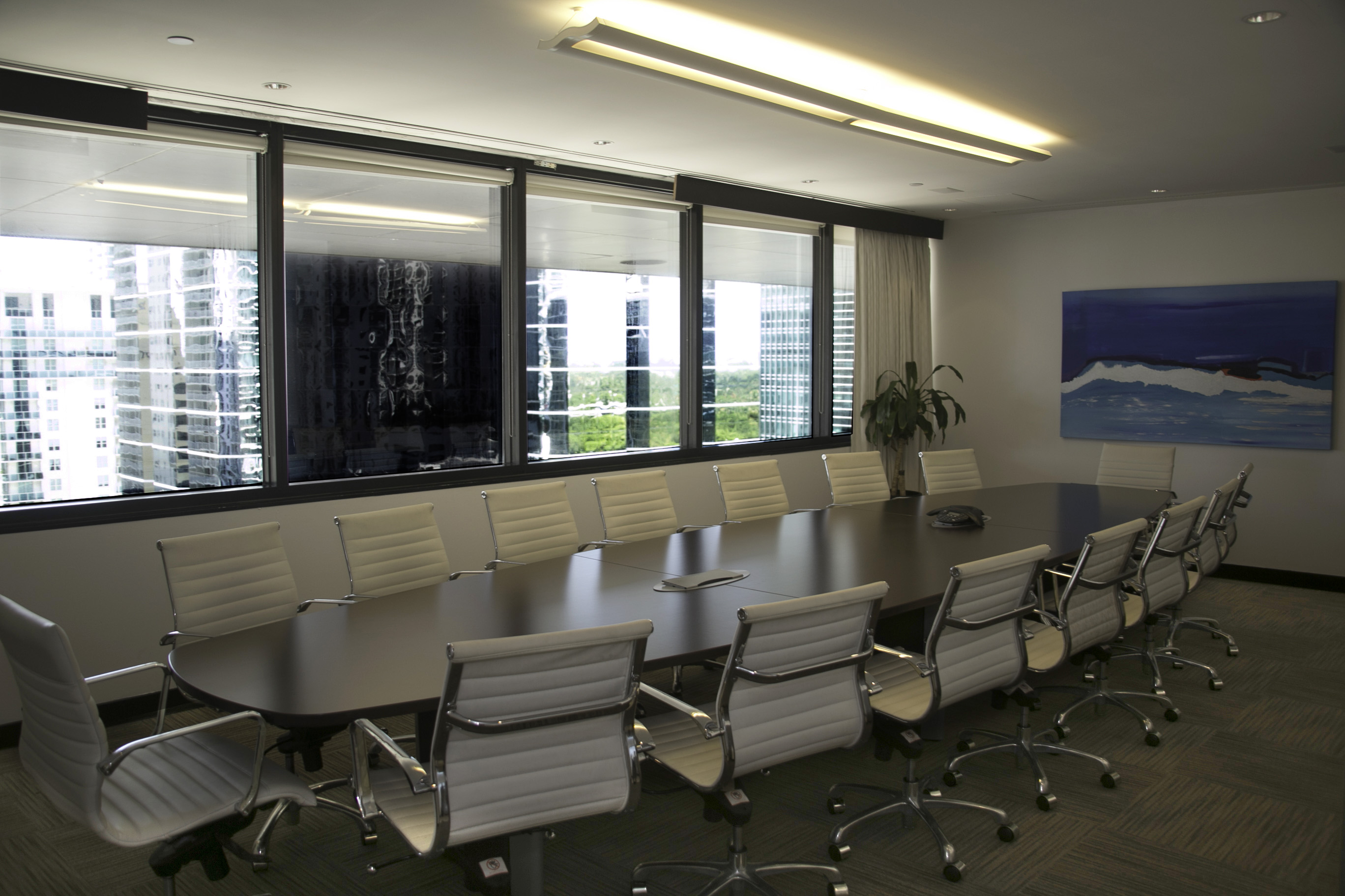 Large Conference Room - Davinci Meeting & Workspaces
