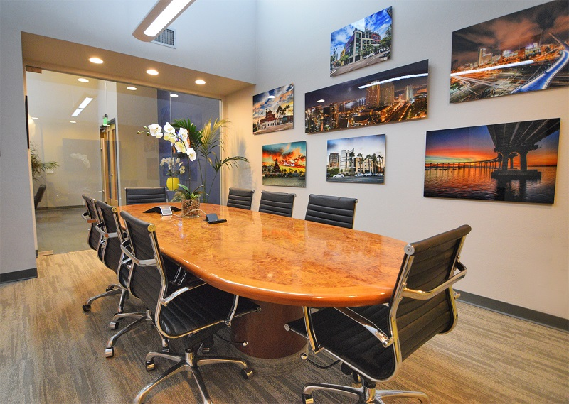 Fishbowl Conference Room - Davinci Meeting & Workspaces