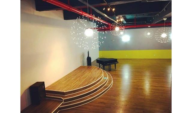 Main Loft Hall In Brooklyn Yls Center Events Evenues Com