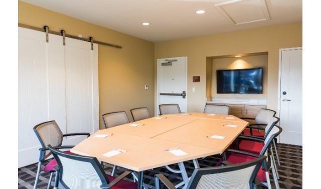Meeting Room - TownePlace Suites Beaverton