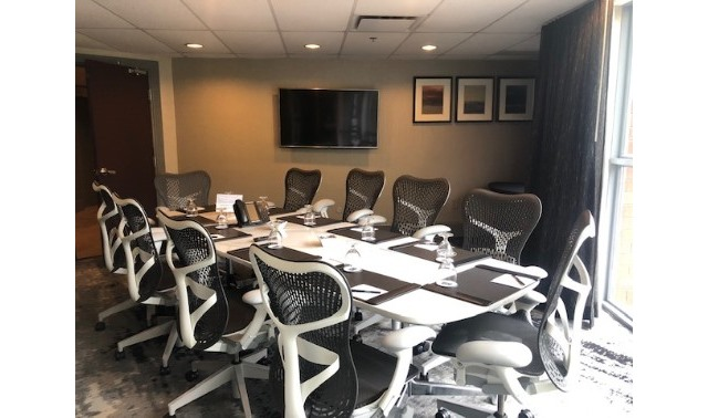 Executive Boardroom - Silver Cloud Hotel Broadway