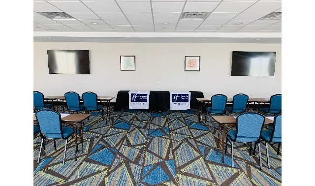 Meeting Space - Holiday Inn Express & Suites