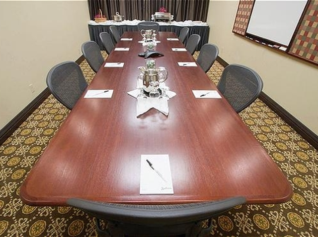 Boardroom - Radisson Hotel Seattle Airport