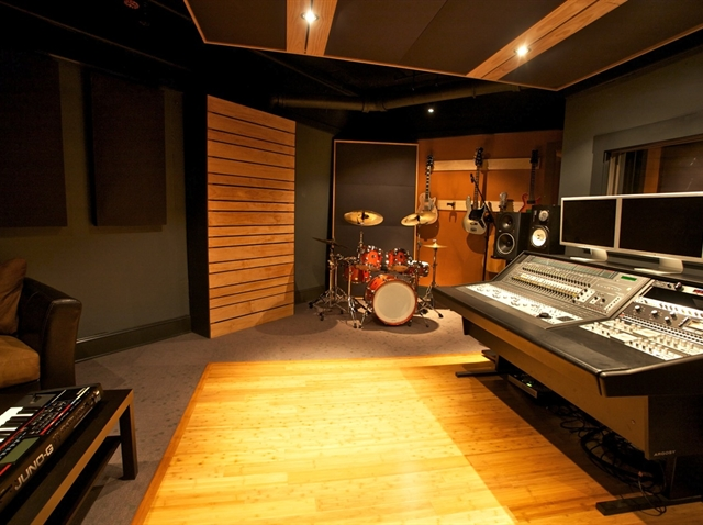 Recording Studio in seattle, The Control Room | eVenues.com Modern School Chairs
