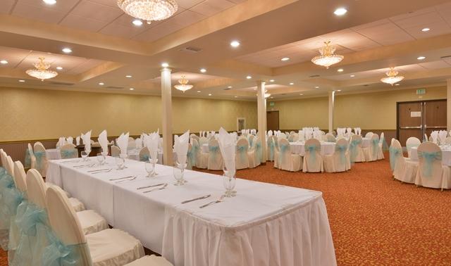 grand ballroom in los angeles ramada los angeles downtown. Black Bedroom Furniture Sets. Home Design Ideas