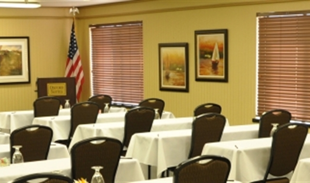 Town Meeting Room - Oxford Suites