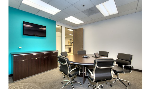 Small conference room in los angeles titan offices - Small event spaces los angeles ideas ...