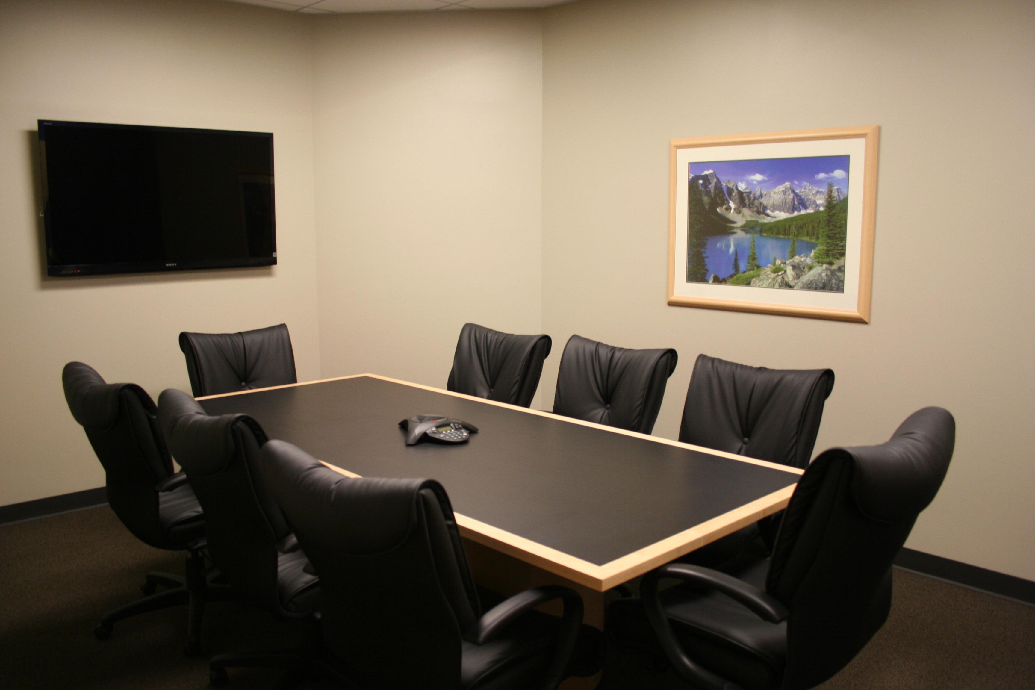 Small Conference Room 1 In La Jolla Davinci Meeting