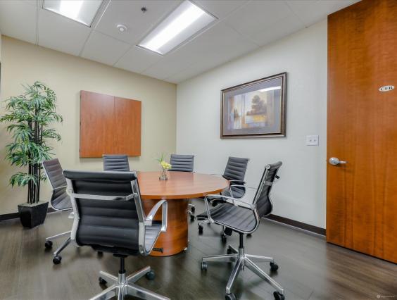 Round Table Pleasanton Ca.6 Person Conference Room W Round Table In Pleasanton Davinci