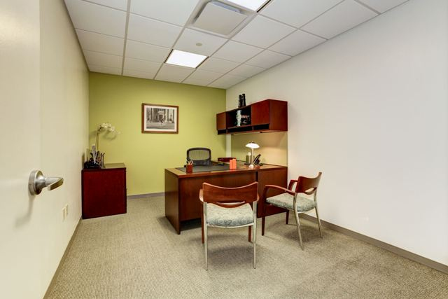 Lincoln Day Office - Davinci Meeting & Workspaces