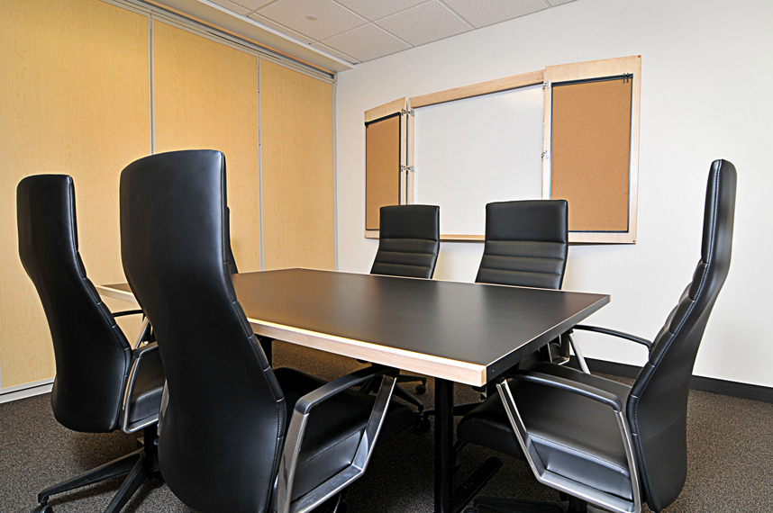 Medium Conference Room With Whiteboard In Boise Davinci Meeting - Whiteboard conference table