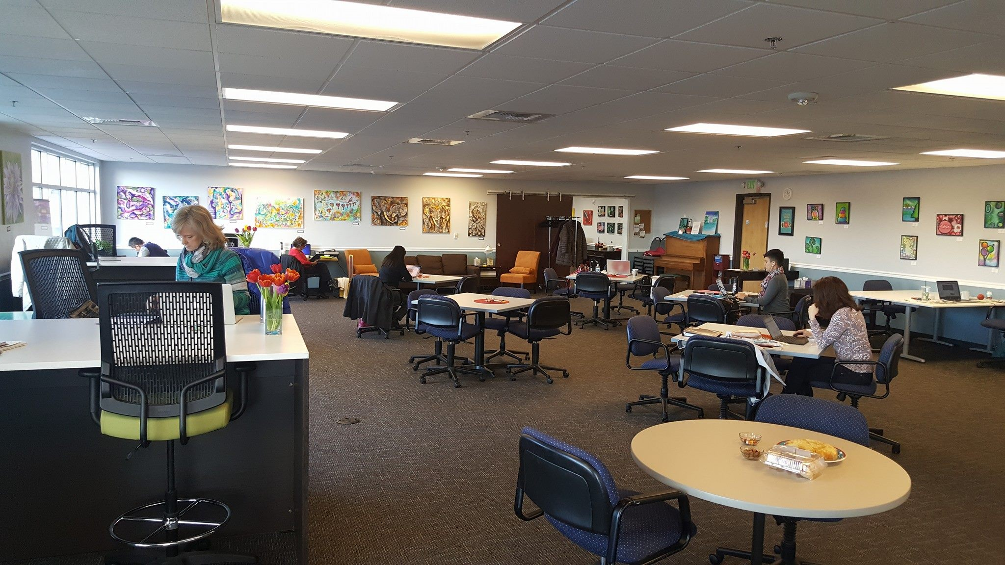 Coworking Day Pass In Lynnwood Davinci Meeting