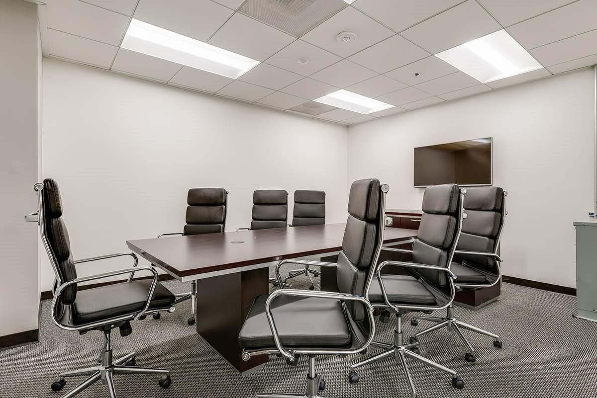 Medium Conference Room In Los Angeles Davinci Meeting