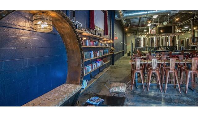 Taproom In Columbia Hysteria Brewing Company Evenues Com